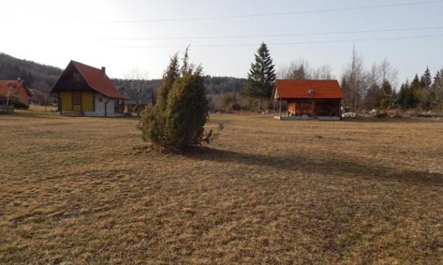 Na prodaju objekat i 60 ari zemlje na Tari, naselje Sokolina