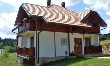 Na prodaju opremljeni apartmani na Mitrovcu